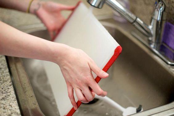Como limpiar tablas para picar comida