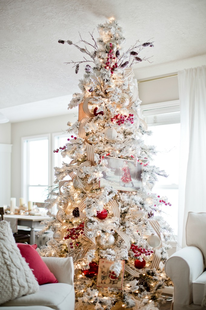 Árboles de navidad en color blanco