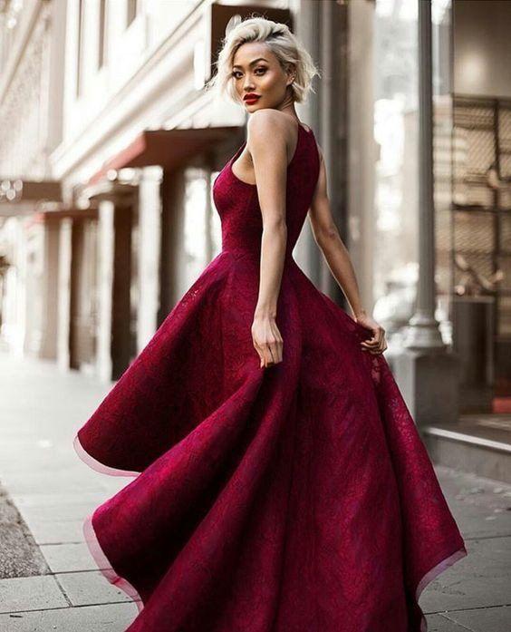 Vestidos en Color Marsala…Un tono con Mucho Protagonismo que te Hará lucir Increíblemente Hermosa