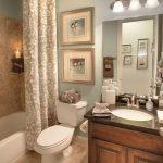 Imágenes de cuadros para decorar baños modernos