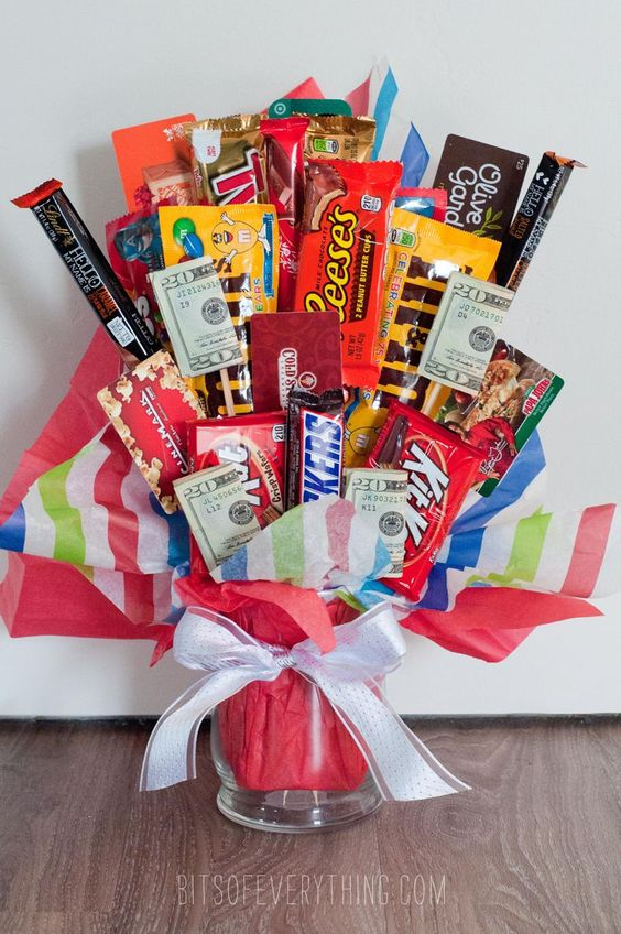 bouquet de dulces en taza para novios