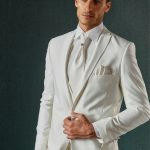 trajes de novio para boda en jardin