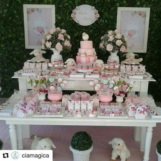 mesa de dulces para bautizoniña