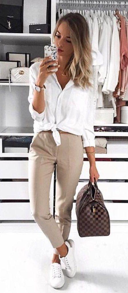 como vestir a los 30 años con tenis