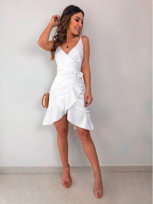 moda para mujeres de 30 años 2019 con vestido