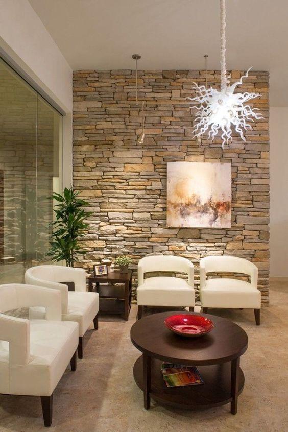 paredes de piedra en salas