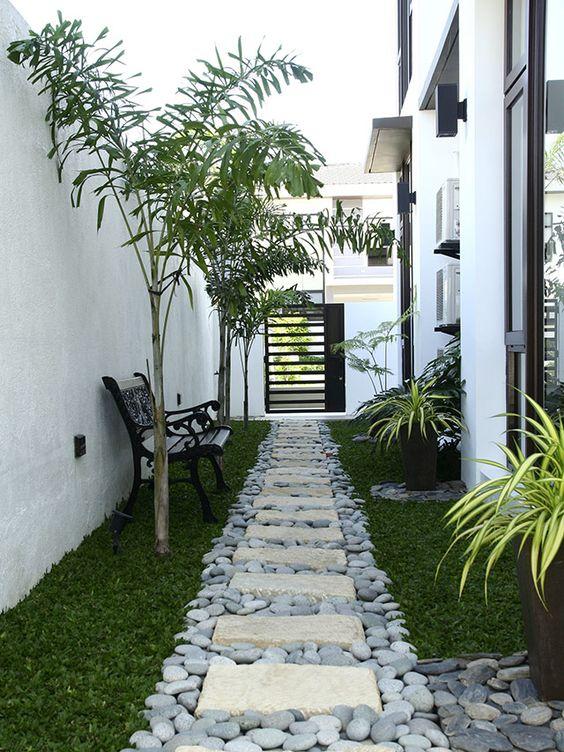 senderos con piedras para decorar el patio