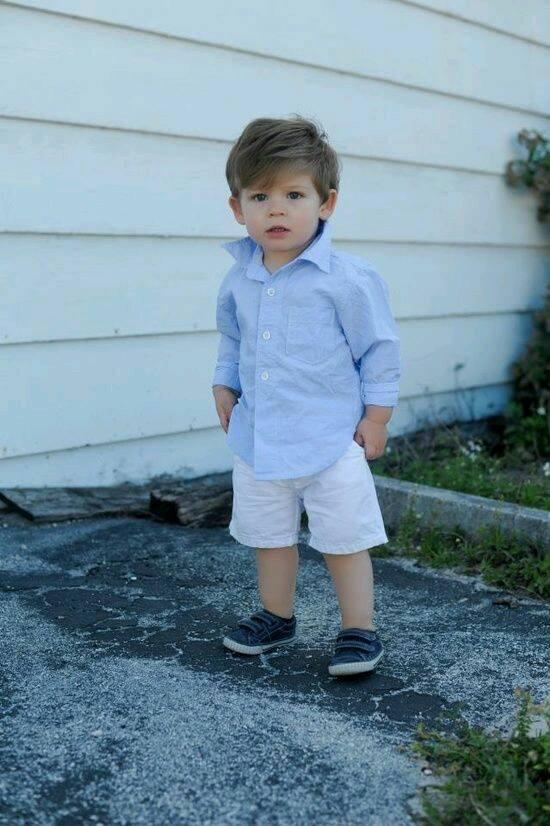 Combinaciones para vestir a tu pequeño con camisa y shorts