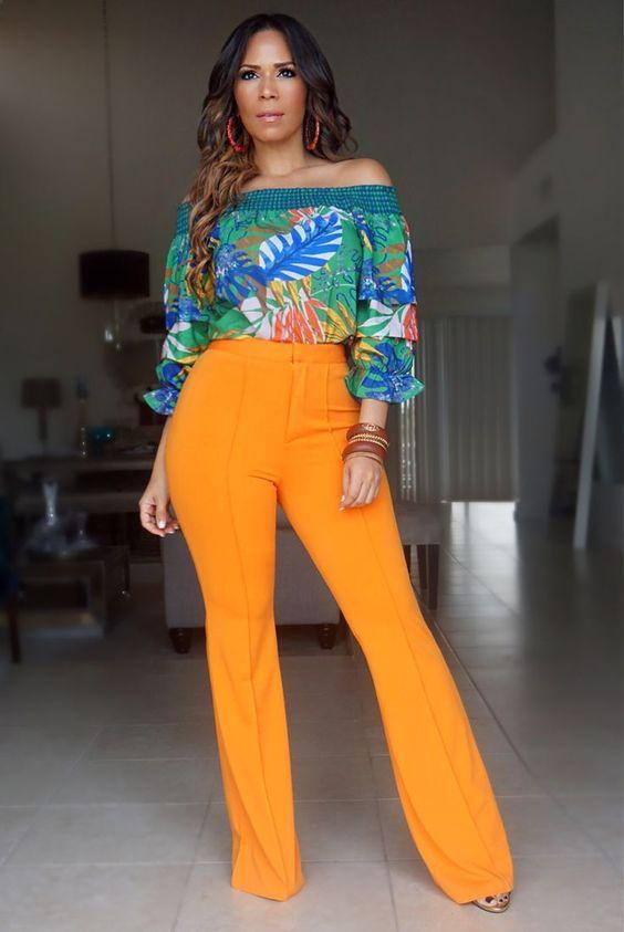 Pantalones de moda y campana de elefante
