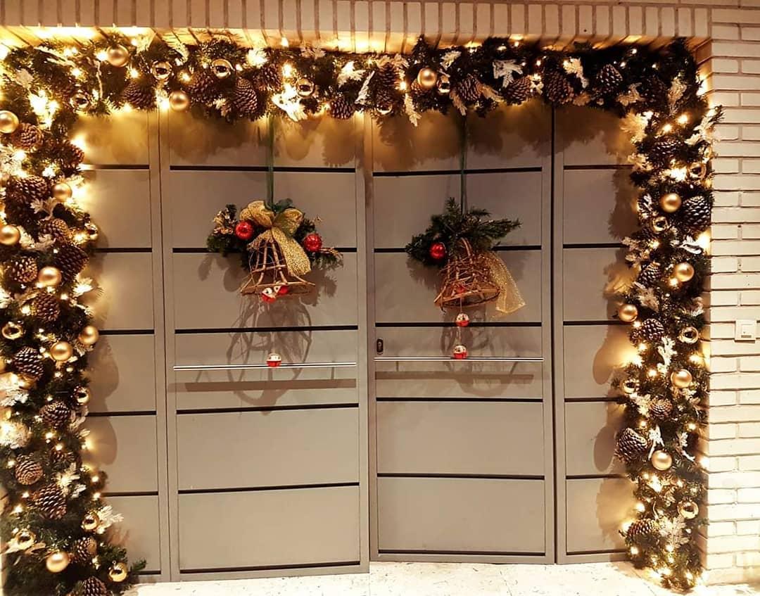 decoracion de puertas para navidad