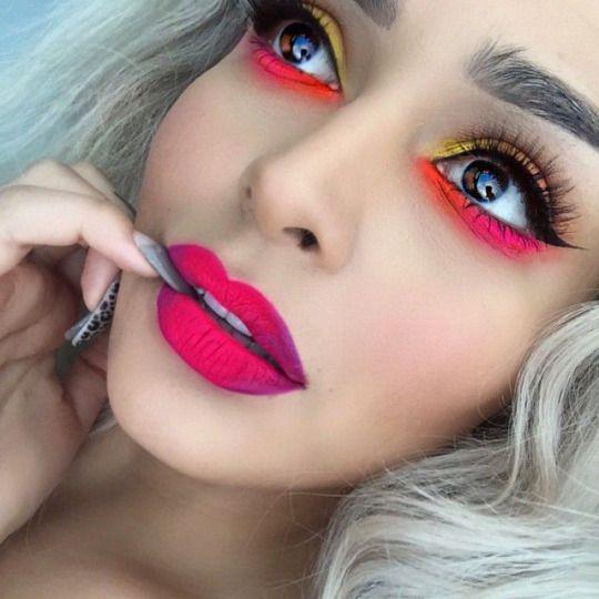 maquillaje neon mujer sencillo