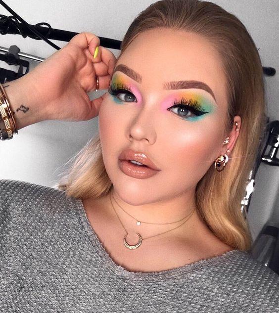 maquillaje neon para fiesta elegante