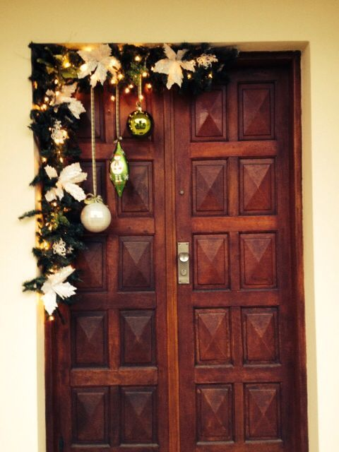 puertas decoradas para navidad sencillas y bonitas