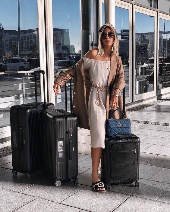 como viajar con estilo y elegancia en el verano