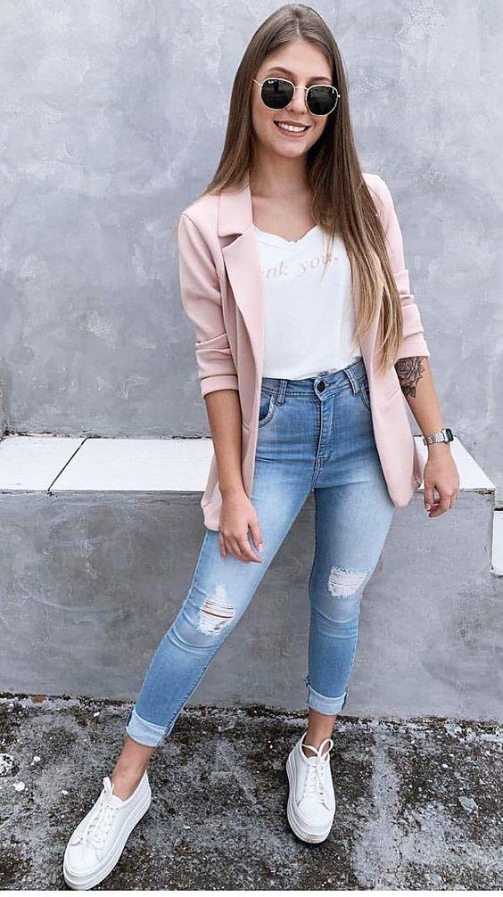 look con blazer para viajar con estilo