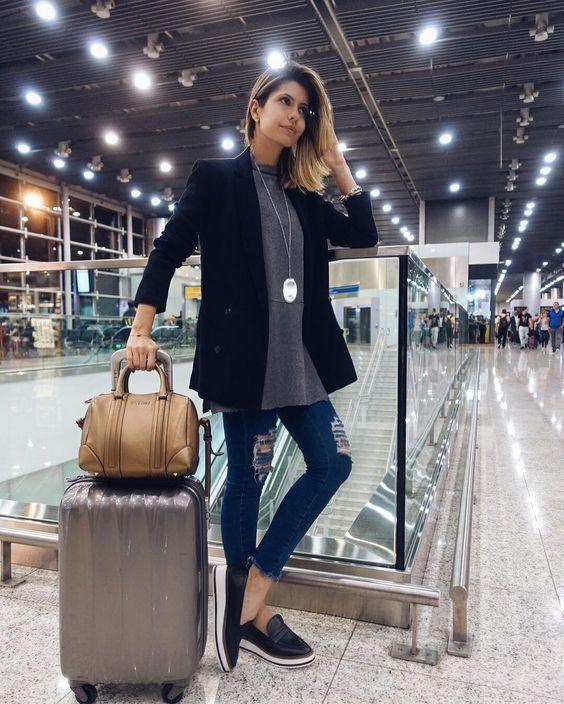 look con jeans para viajar con estilo