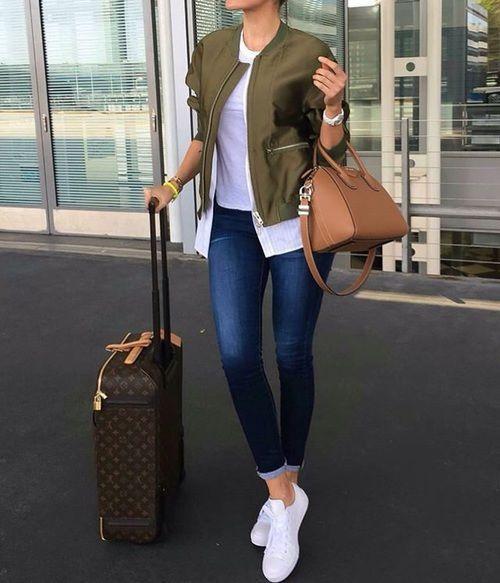 outfits comodos y elegantes para viajes
