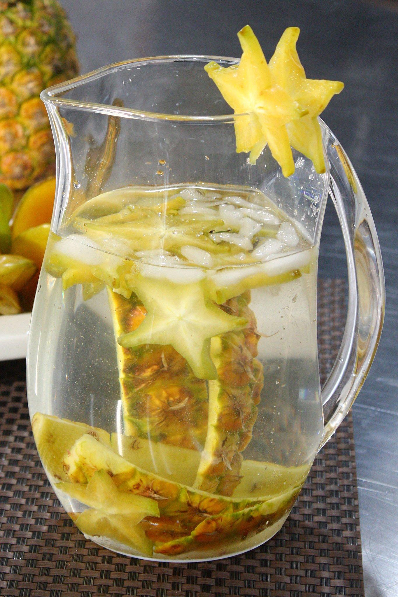 shot de cascara de piña y bicarbonato para eliminar la grasa de la barriga