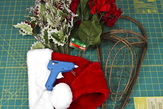 diy gorros navideños para puertas principales